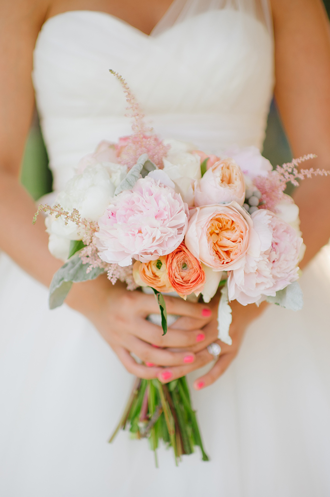 blush and peach bouquet | Candi Coffman Photography | Glamour & Grace