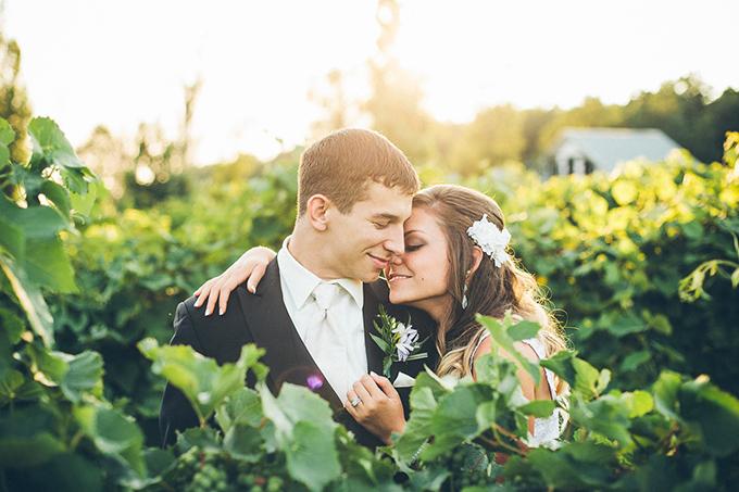 handmade summer wedding   High Five For Love Photography   Glamour & Grace