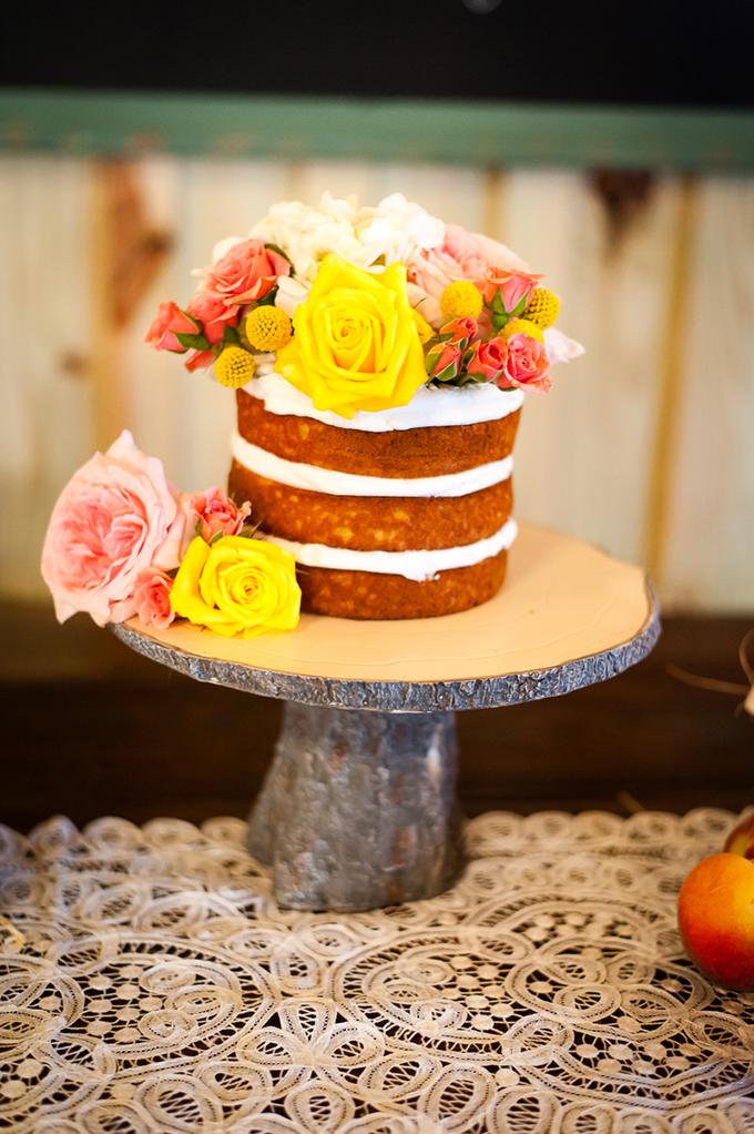 cute mini cake | Desjar Photography | Glamour & Grace