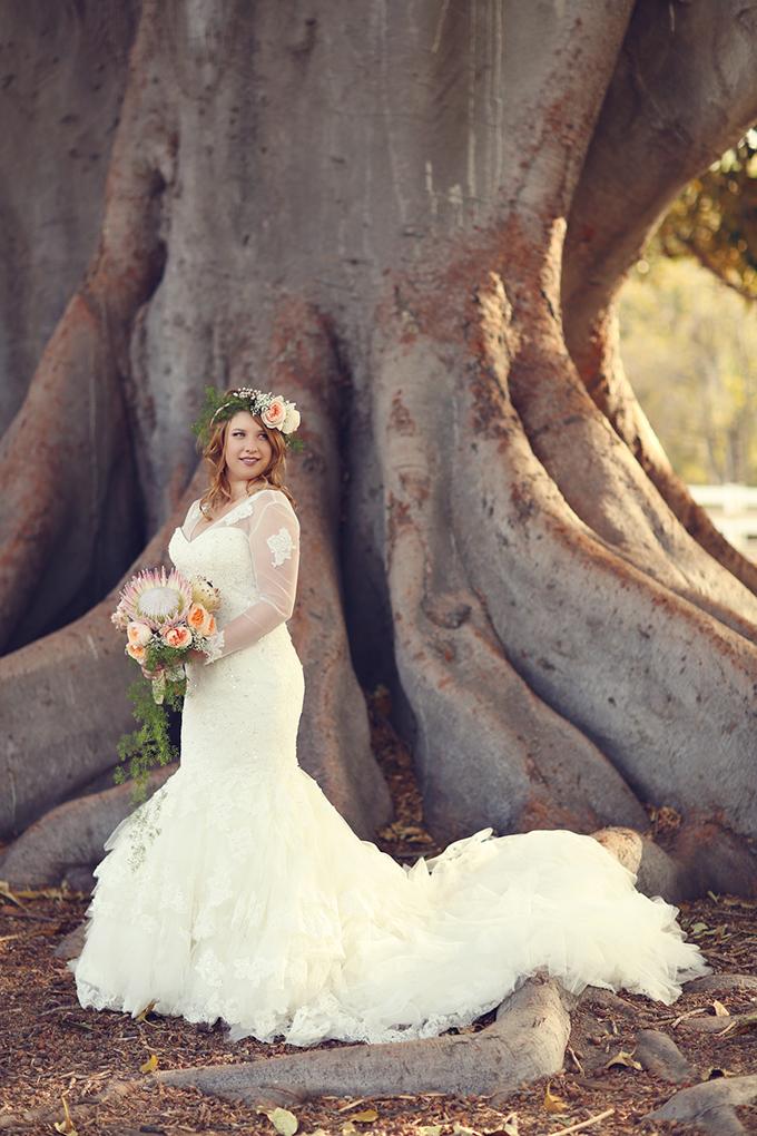 stunning Monique Lhuillier gown | Lukas & Suzy VanDyke | Glamour & Grace