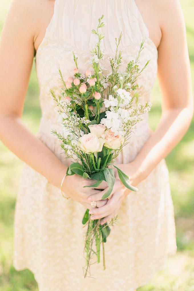 blush bouquet | Logan Howard Photography | Glamour & Grace