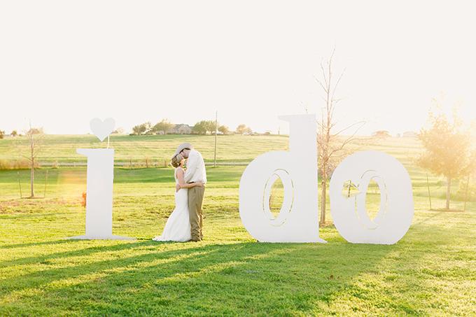 blush Texas wedding | Logan Howard Photography | Glamour & Grace