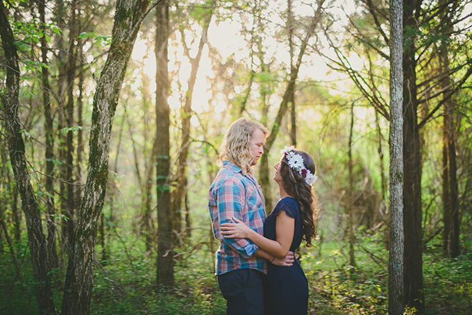 boho forest engagement | Jessie Holloway Photography | Glamour & Grace