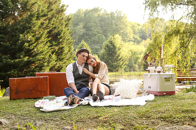 vintage picnic engagement | Gabrielle von Heyking Photographie | Glamour & Grace
