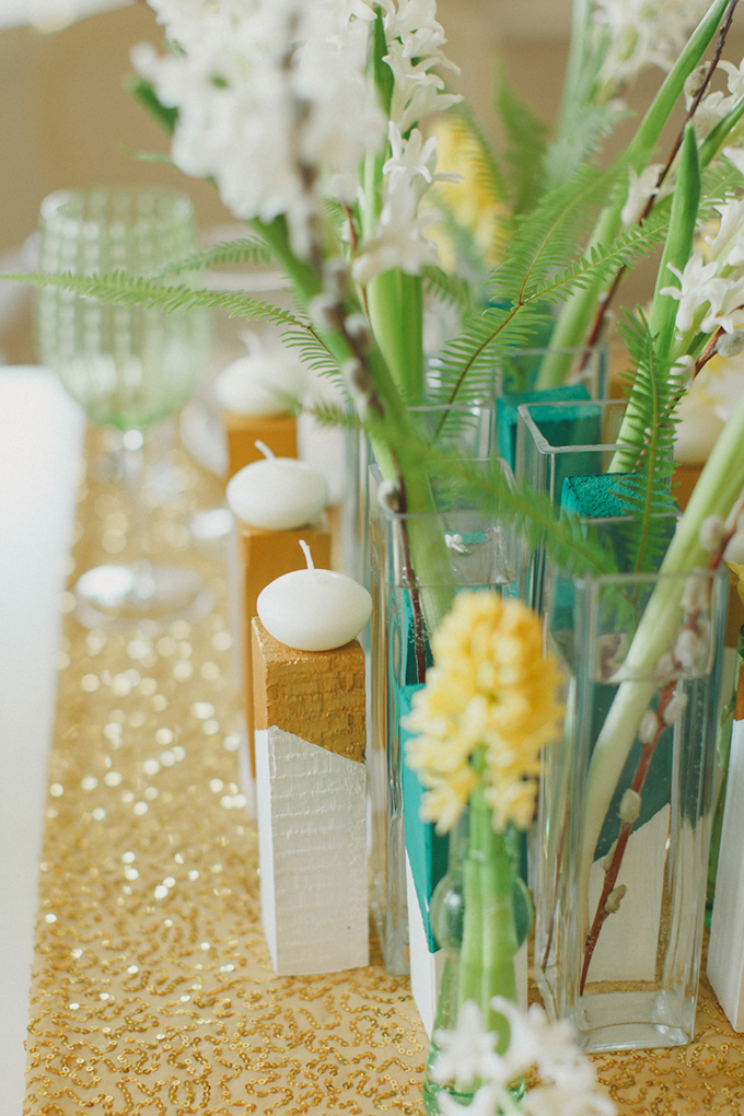modern gold and teal centerpieces | Warmphoto | Glamour & Grace