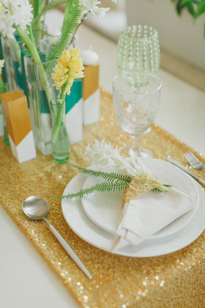 modern place setting | Warmphoto | Glamour & Grace