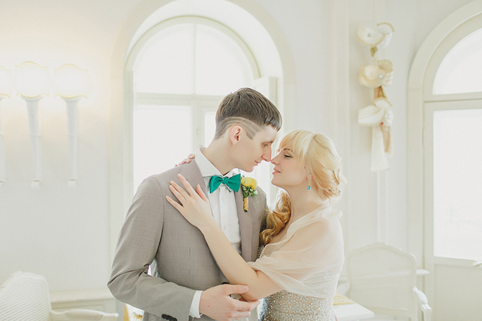 geometric spring vow renewal | Warmphoto | Glamour & Grace