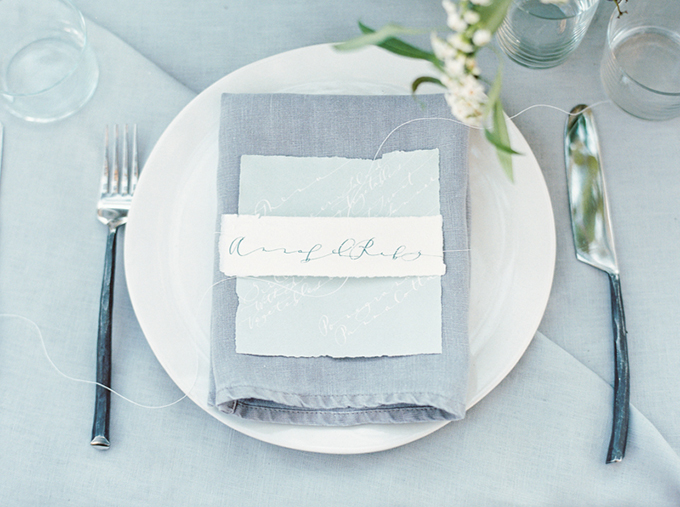 calligraphy place setting | Connie Whitlock Photography | Glamour & Grace