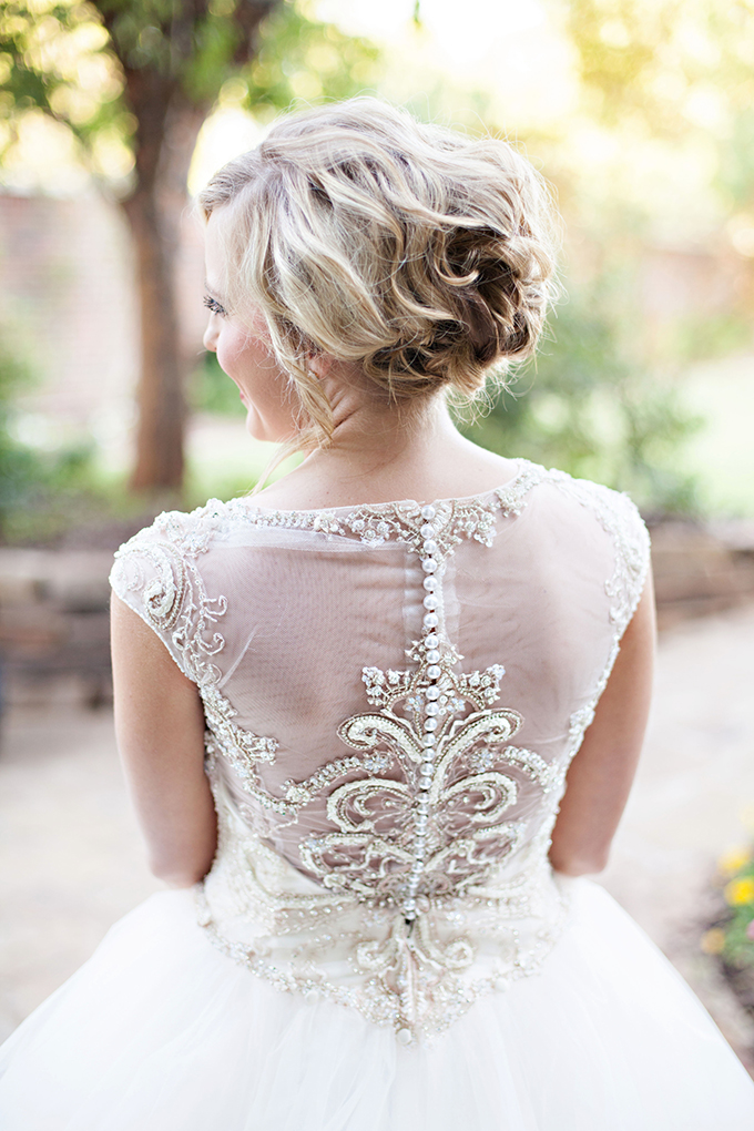 gorgeous gown back | Kristen Edwards Photography | Glamour & Grace