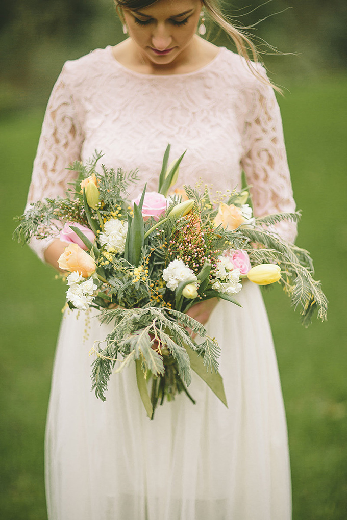 spring bouquet | Dawn Photography | Glamour & Grace