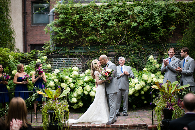 Philadelphia garden wedding | Peach Plum Pear Photo | Glamour & Grace