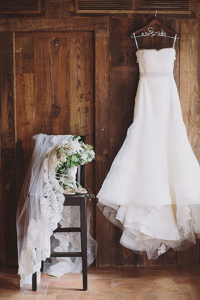 romantic New Orleans wedding   Maile Lani Photography   Glamour & Grace