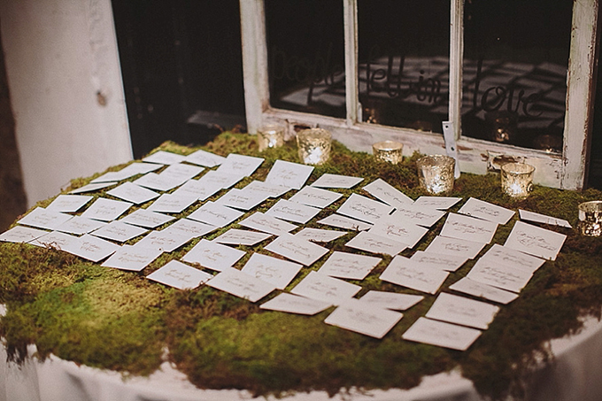 moss escort table | Maile Lani Photography | Glamour & Grace