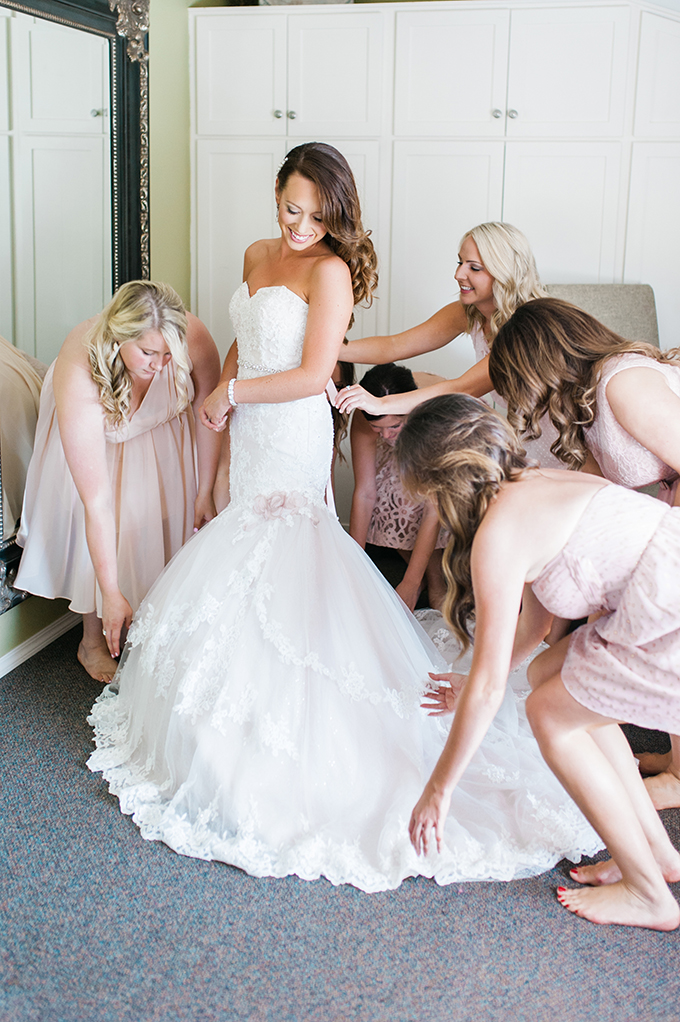 bride getting ready | Brittany Lauren Photography | Glamour & Grace