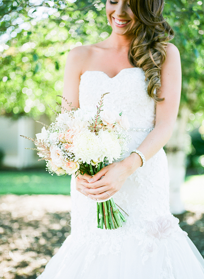 white bouquet | Brittany Lauren Photography | Glamour & Grace