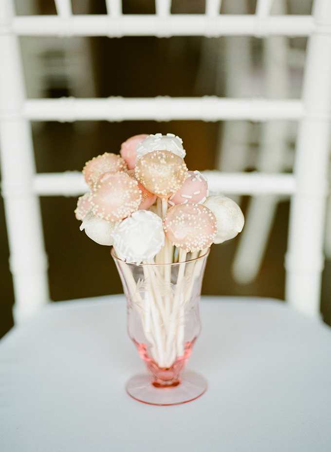 cake pops | Brittany Lauren Photography | Glamour & Grace