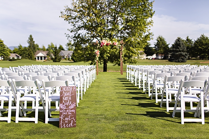 outdoor ceremony   Courtney Bowlden Photography   Glamour & Grace