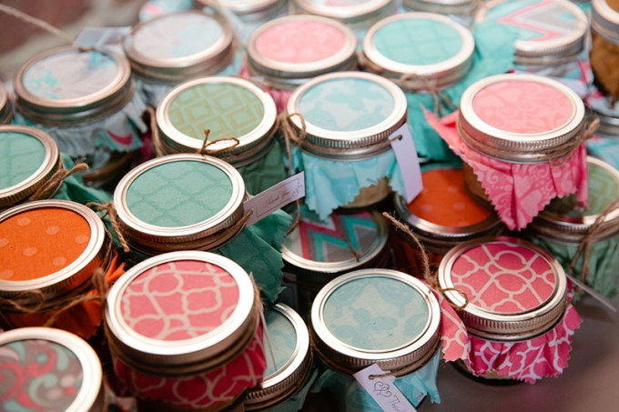 handmade candle favors | Devon Donnahoo Photography | Glamour & Grace
