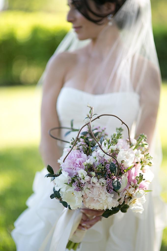 romantic purple bouquet | Roohi Photography | Glamour & Grace