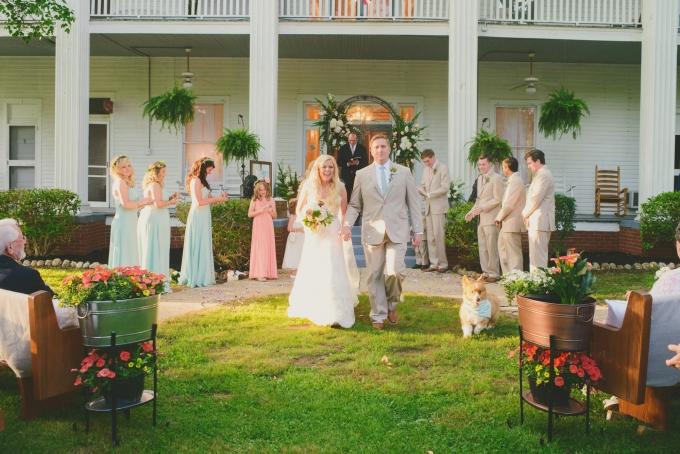 vintage spring wedding | Jessie Holloway Photography | Glamour & Grace