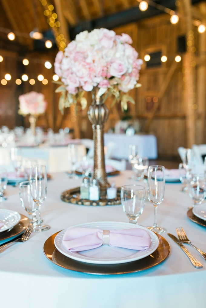 blush and gold barn wedding | Leslie D Photography | Glamour & Grace