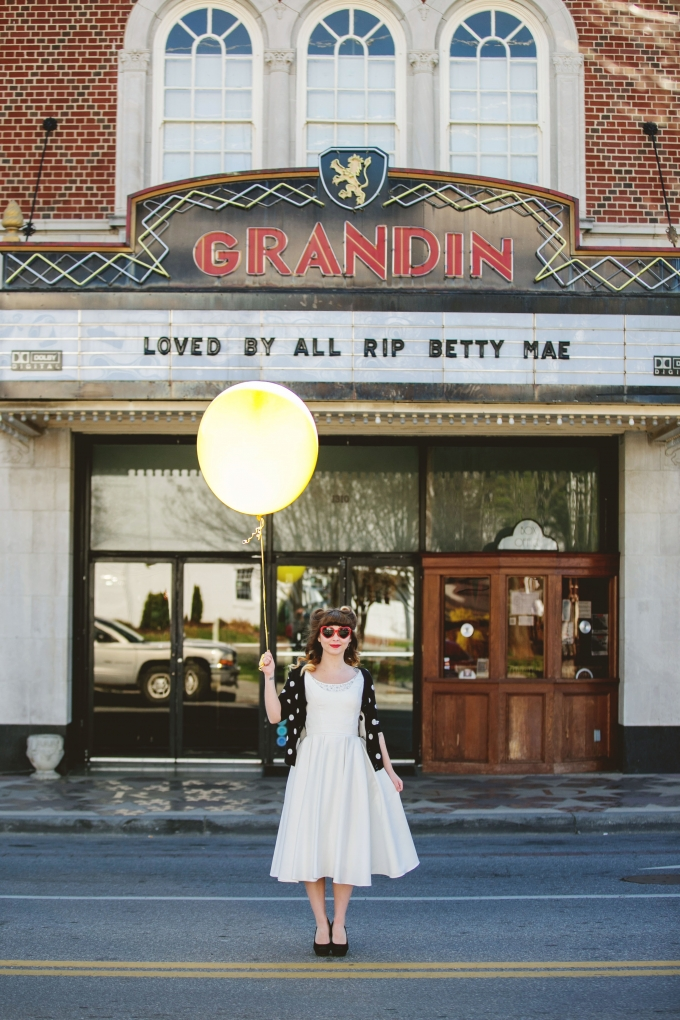 retro bridal session | Ashley Lester Photography | Glamour & Grace