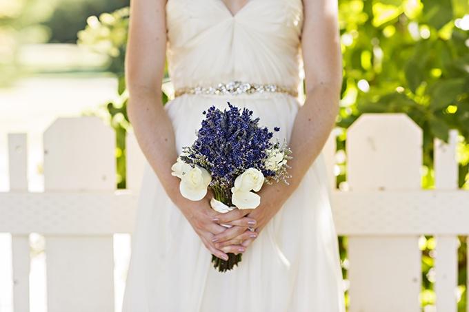 lavender bouquet | Courtney Bowlden Photography | Glamour & Grace
