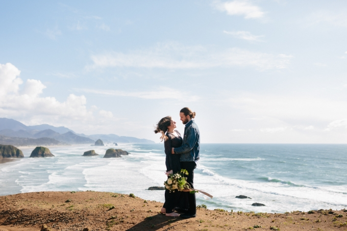 breathtaking coastal engagement | Grace and Jaden Photography | Glamour & Grace
