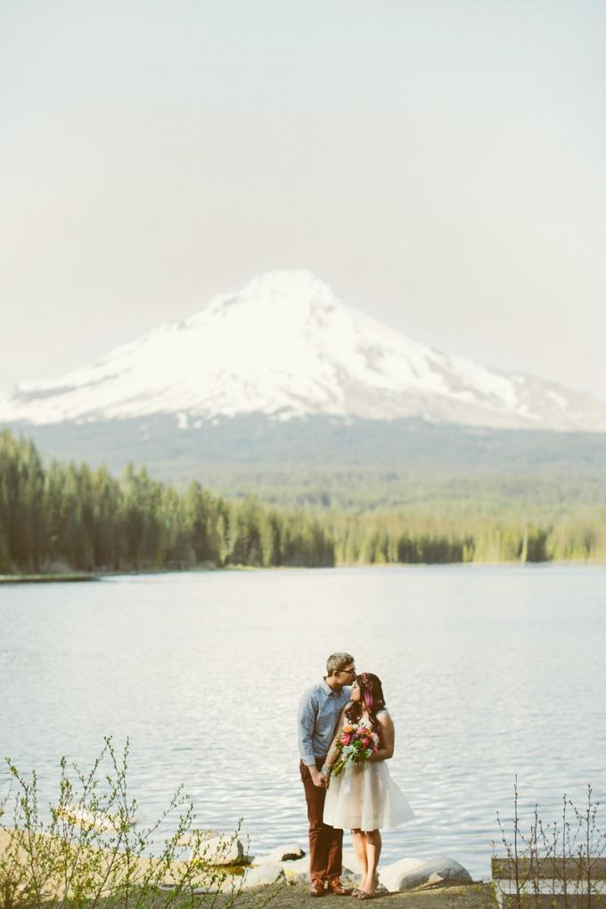 lakeside engagement | Hazelwood Photo | Glamour & Grace