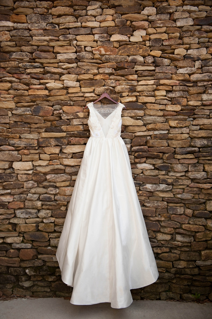Heidi Elnora gown | Stacy Richardson Photography | Glamour & Grace