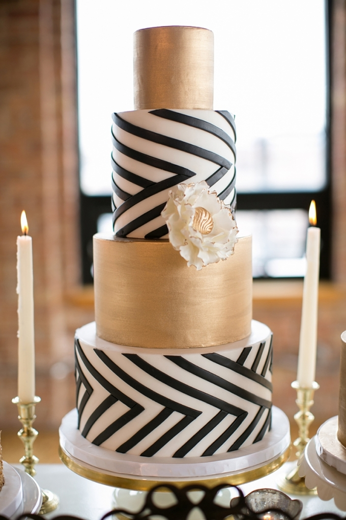 modern gold cake | Christy Tyler Photography | Glamour & Grace