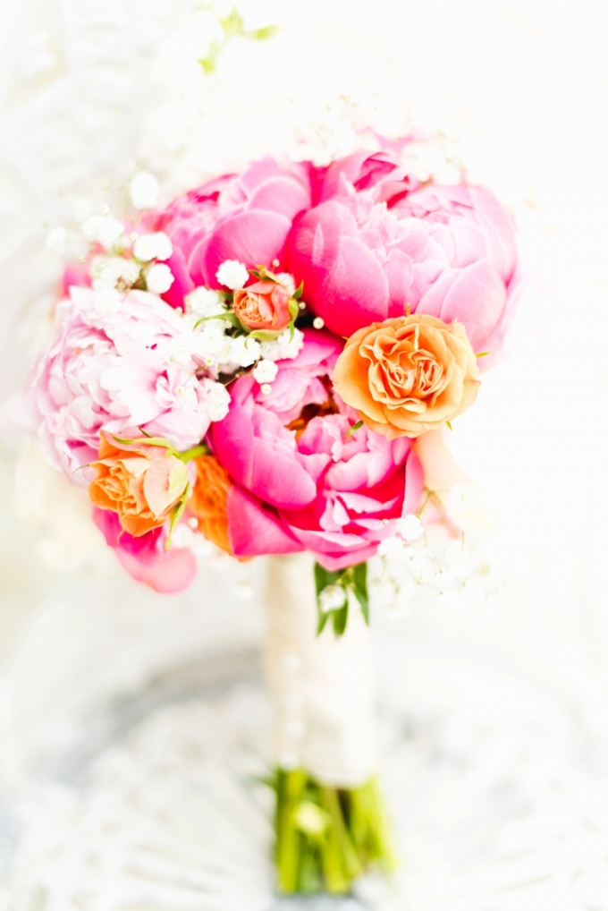 bright pink and orange bouquet | Kate Supa Photography  | Glamour & Grace