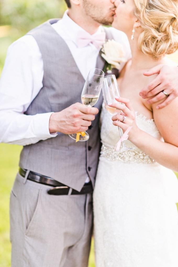 bright springtime wedding   Kate Supa Photography    Glamour & Grace