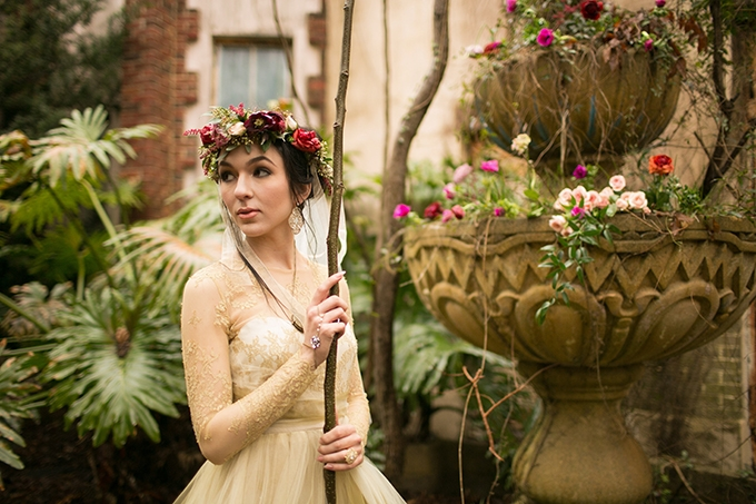 dreamy marsala wedding inspiration | Arte De Vie | Glamour & Grace