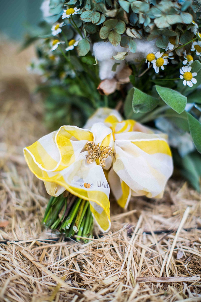 grandmother's pin on bouquet | Blueberry Photography | Glamour & Grace