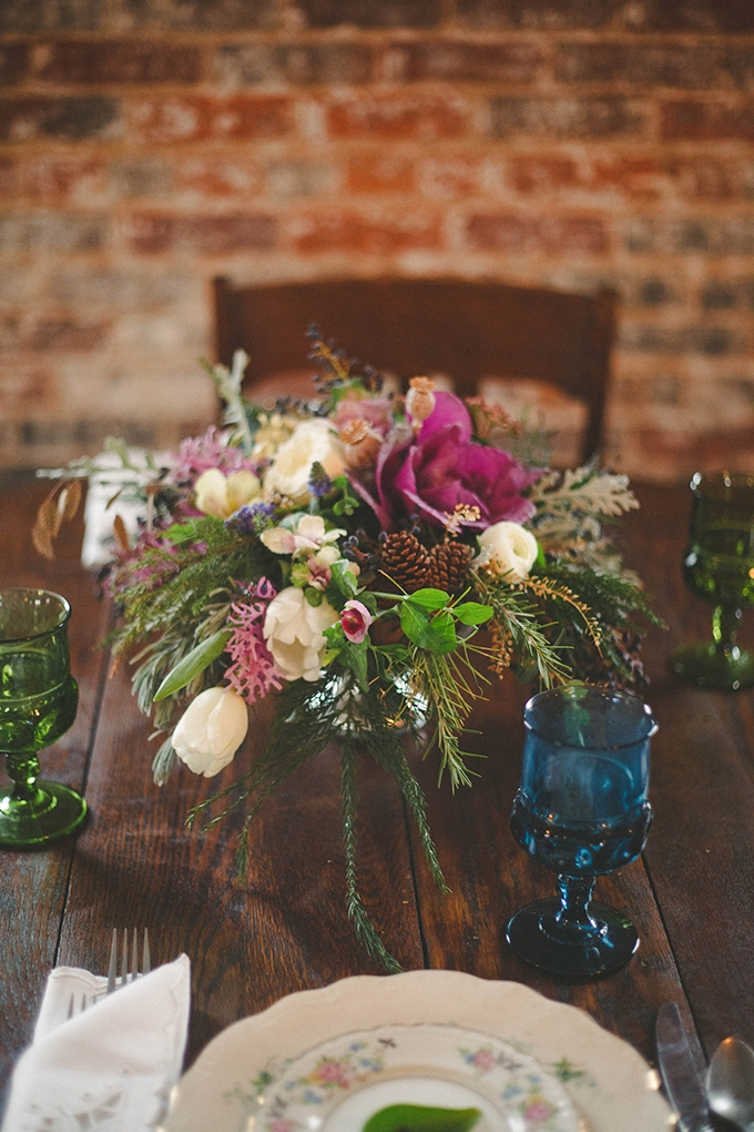 warm and romantic centerpiece | Elizabeth Marie Photos | Glamour & Grace
