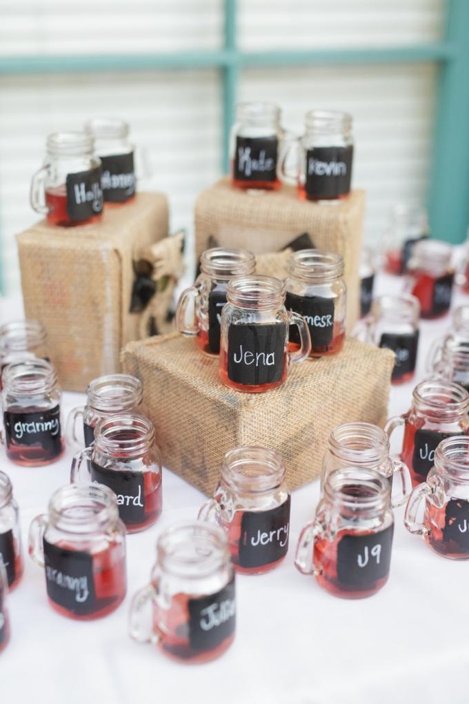 chalkboard mason jars | Greer Gattuso Photography | Glamour & Grace