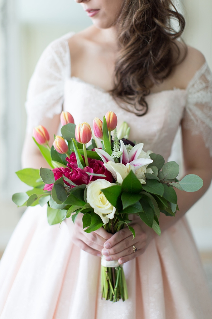 tulip and lily bouquet | Lindsay Fauver Photography | Glamour & Grace