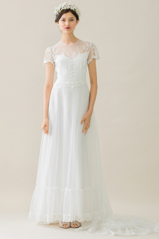 Vintage wedding dresses glamour grace for 1970 s style wedding dresses