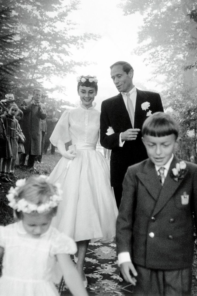 Get The Look Audrey Hepburn Wedding Dress Glamour Amp Grace