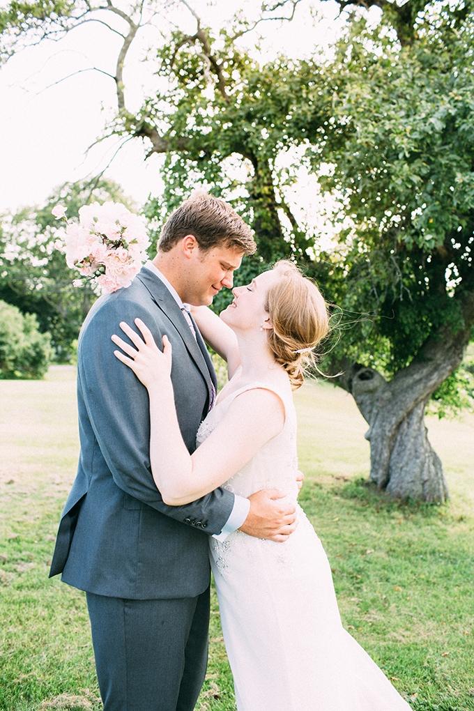 DIY summer camp wedding   Jamie Mercurio Photography   Glamour & Grace