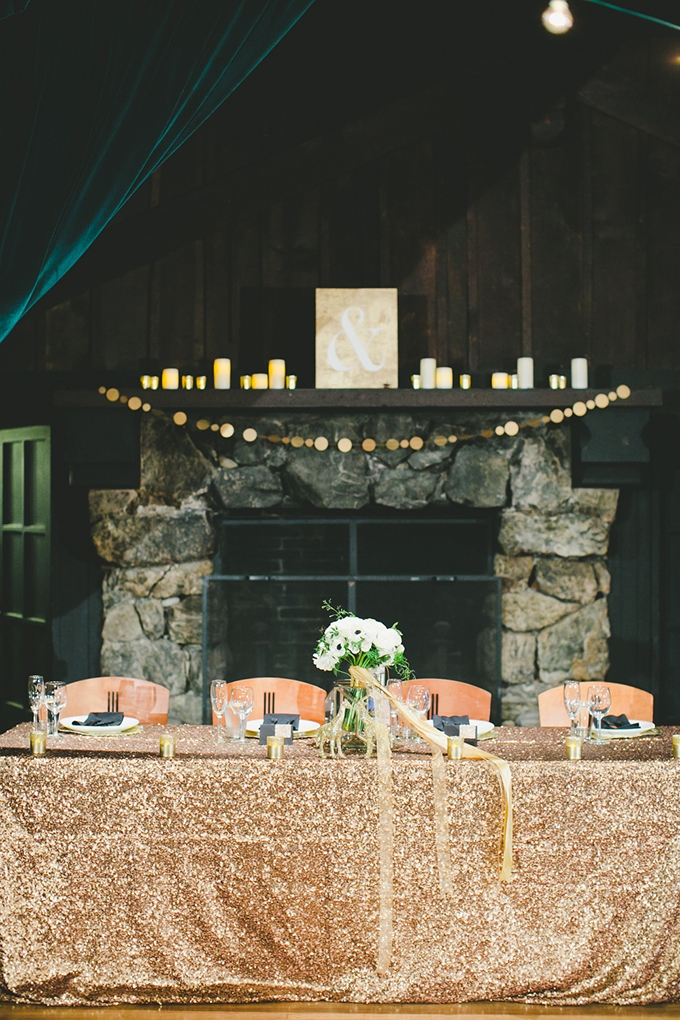 black and gold glitter wedding | onelove photography | Glamour & Grace