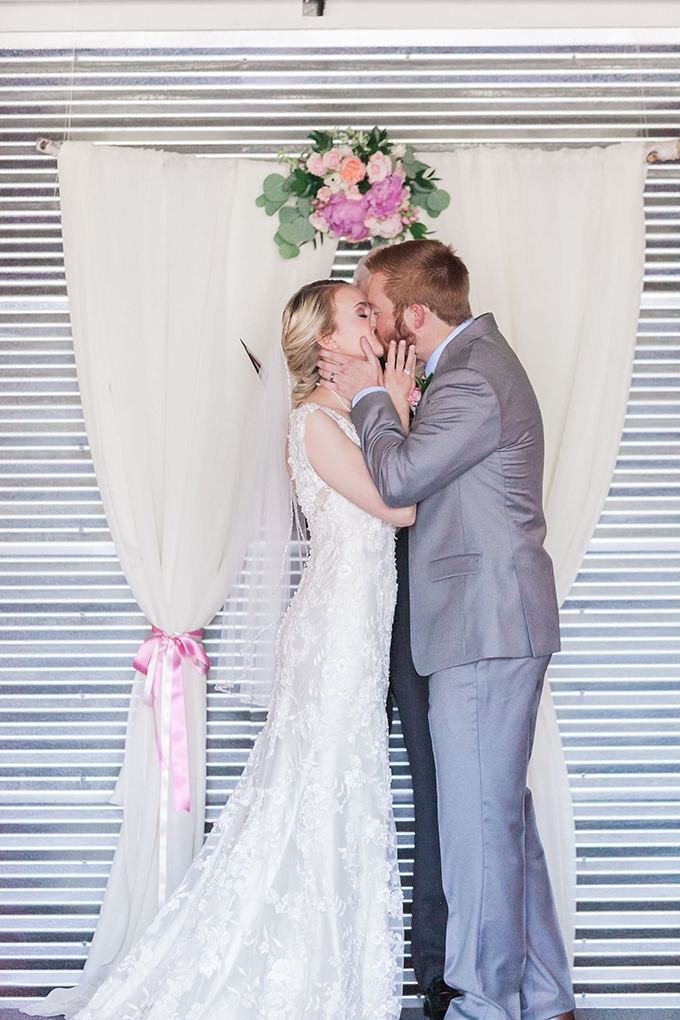 romantic modern wedding | Sara Lynn Photographic | Glamour & Grace