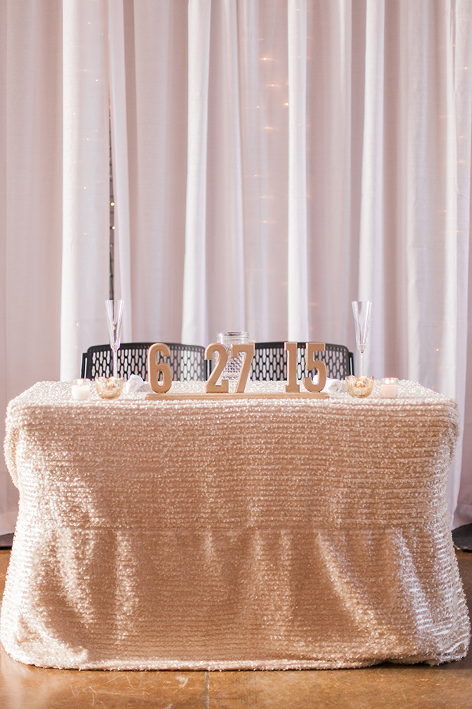 gold sweetheart table | Sara Lynn Photographic | Glamour & Grace