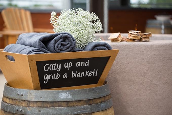 grab a blanket | Marissa Cribbs Photography | Glamour & Grace