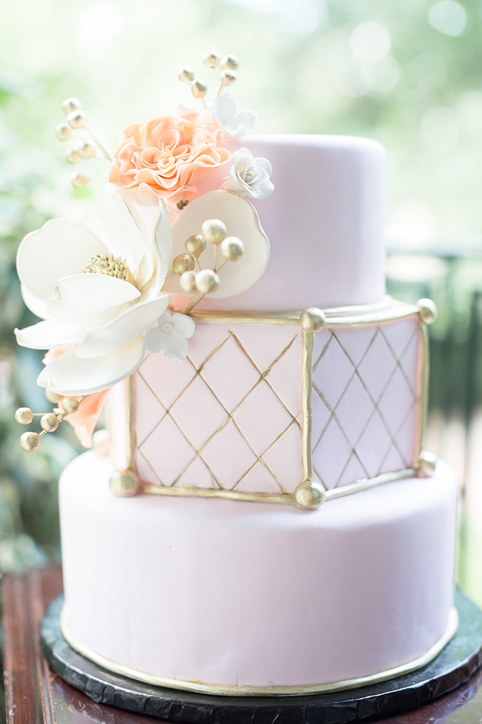pink and gold cake | Lyndi J. Photography | Glamour & Grace