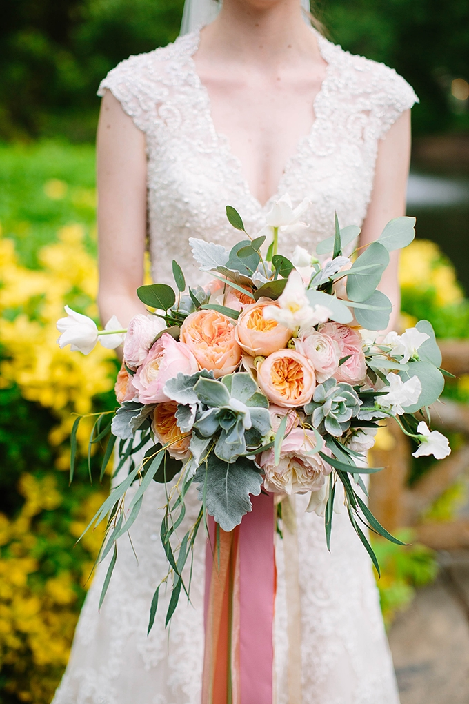 romantic peach bouquet | Michele Shore Photography | Glamour & Grace