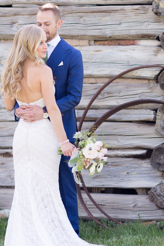 rustic barn wedding | Mathew Irving Photography | Glamour & Grace