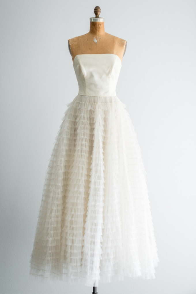 Dating vintage wedding dresses