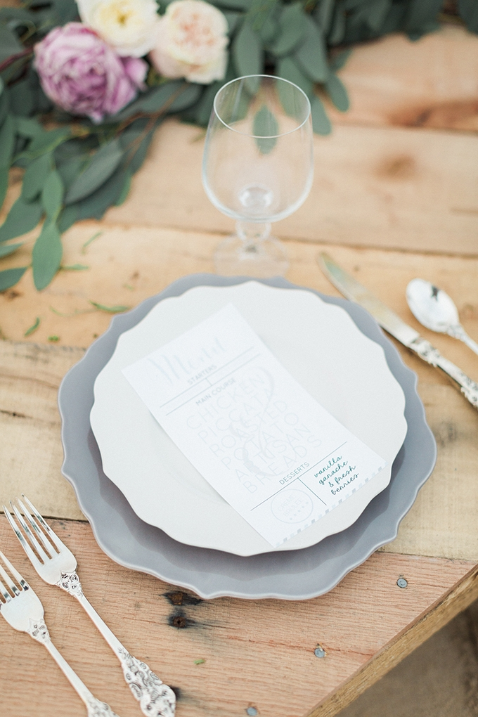 place setting | Stephanie Michelle Photography | Glamour & Grace